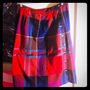 👗NEW ITEM👗EUC VTG PLUS multi-plaid button skirt